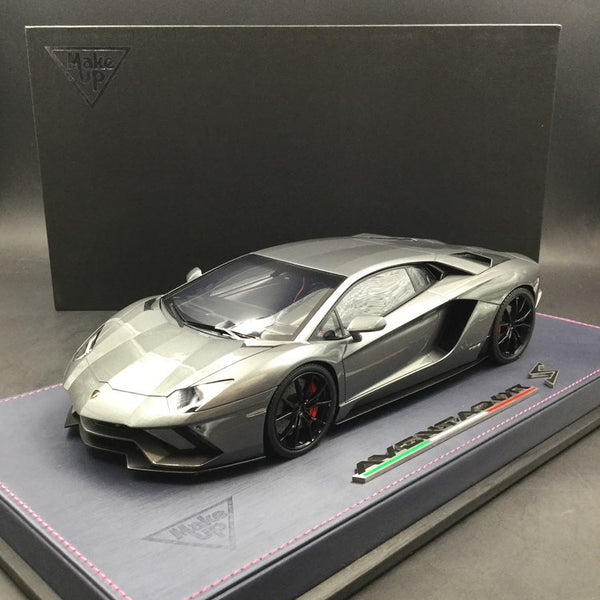 Makeup 1:18 Lamborghini Aventador S 2017 resin car model (Metallic Grey) EML004E