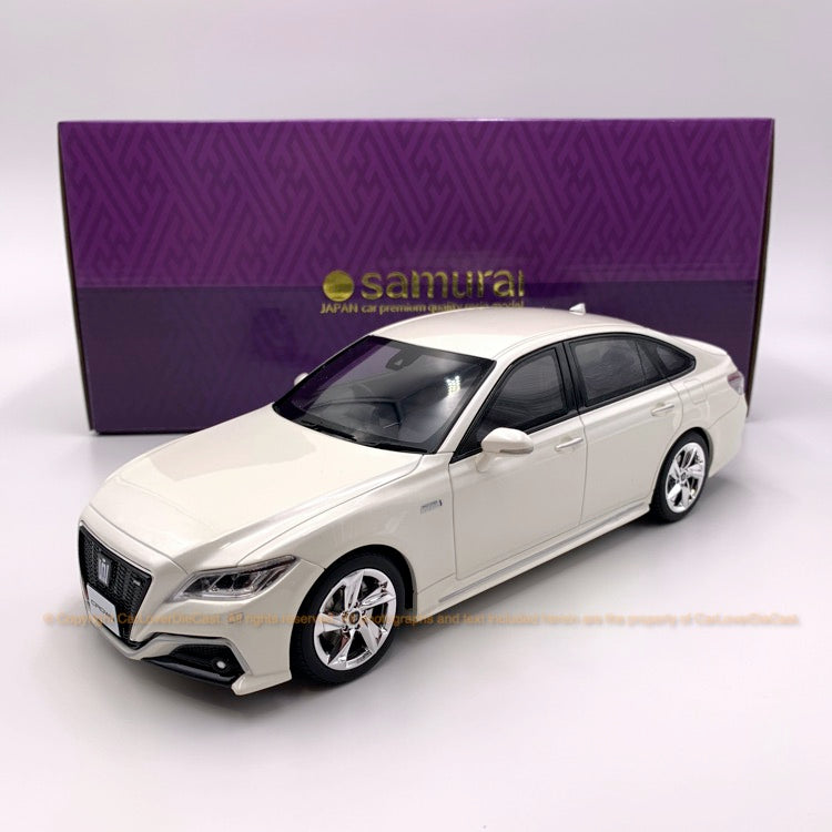Kyosho 1:18 Toyota Crown RS ADVANCE resin model in White limited 700 units (KSR18042W-B)