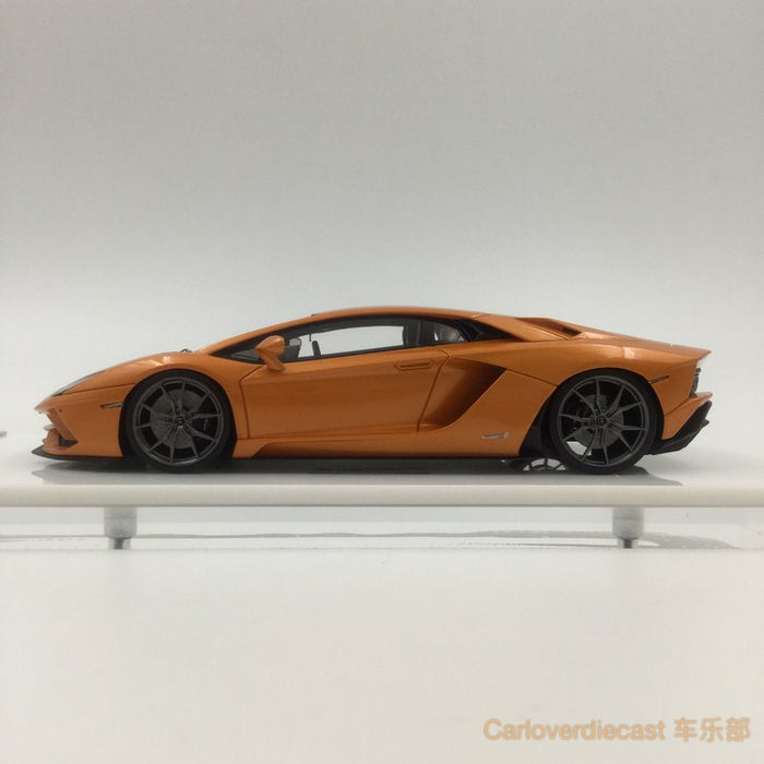 Makeup - Lamborghini Aventador S 2017 resin scale 1:43 (Pearl Orange) available now EM306D