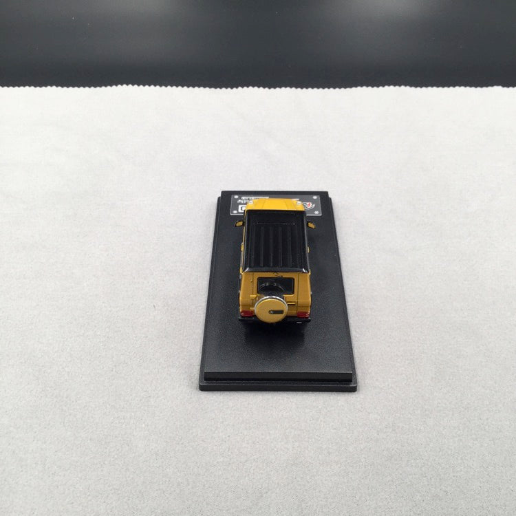 iScale 1:64 Mercedes W463 G-Klasse (Gold Yellow )(iscale64-Y) diecast car model with display case and cover