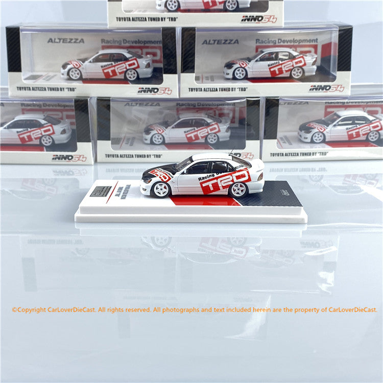 INNO 1:64 Toyota Altezza RS200 (IN64-RS200-TRD) diecast car model
