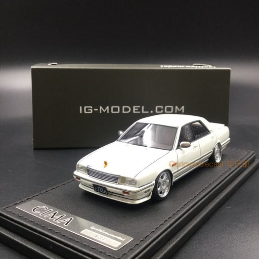 Ignition Model 1:43 Nissan Cedric Cima (Y31) Pearl White IG1089