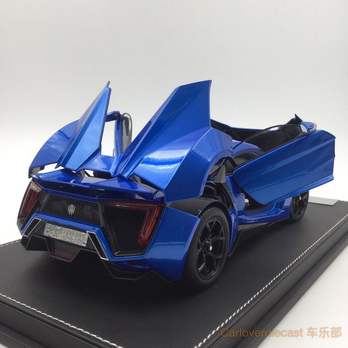 Kengfai model - W. motor Lykan Hypersport diecast scale 1:18 full open with display case and base in Blue