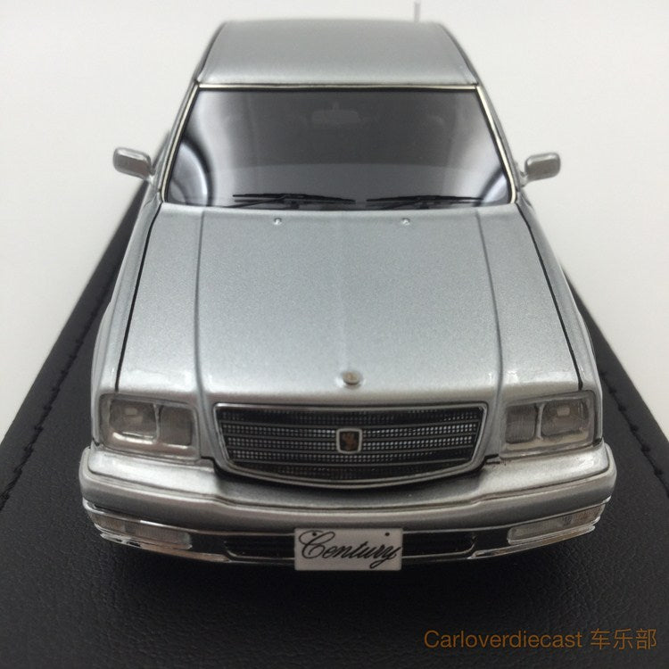 Ignition model - Toyota Century (GZG50) Silver (OZ-Wheel)  resin scale 1:43 - IG0700