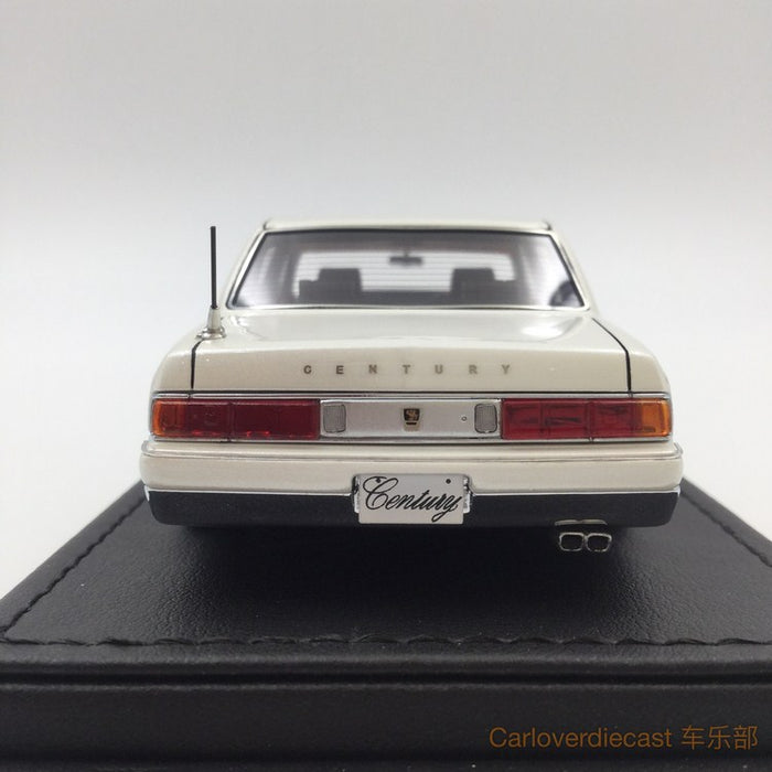 Ignition model - Toyota Century (GZG50) Pearl White (OZ-Wheel)  resin scale 1:43 - IG0699