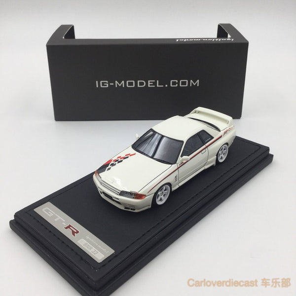 Ignition model - Nissan Skyline GT-R Nismo (R32) White (LMGT4 Wheel) resin scale 1:43 - IG0960