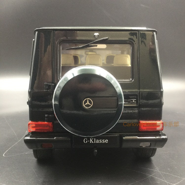iScale 1:18 Mercedes-Benz G Klasse (Dark Green) (1800000009)Diecast Full Open available now