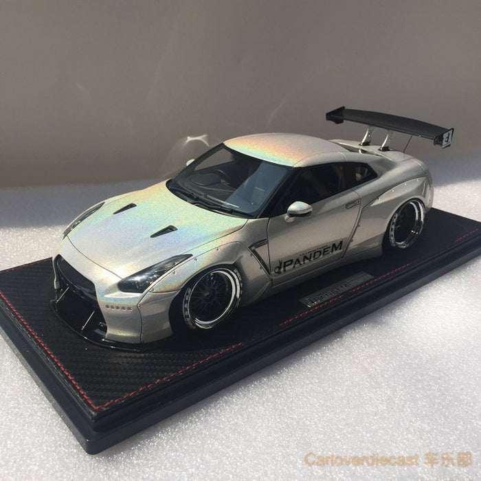 (Free display cover) Ignition Model Nissan GTR 35 Rocket bunny GT wing (IG1381) resin scale 1:18 White chameleon color exclusive by Carloverdiecast available  now