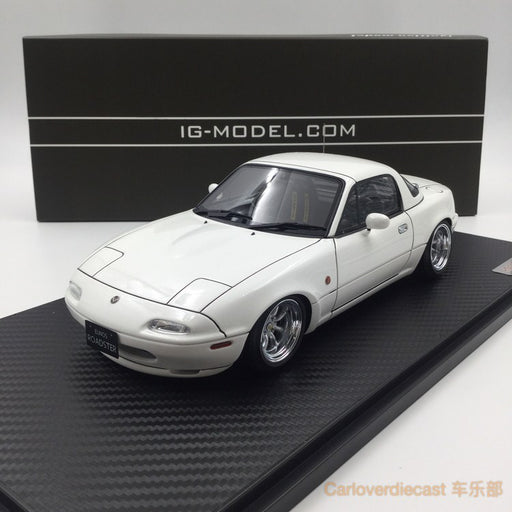Ignition model - Eunos Roadster (NA) White (W-Wheel) resin scale 1:18 (IG0663) free display cover