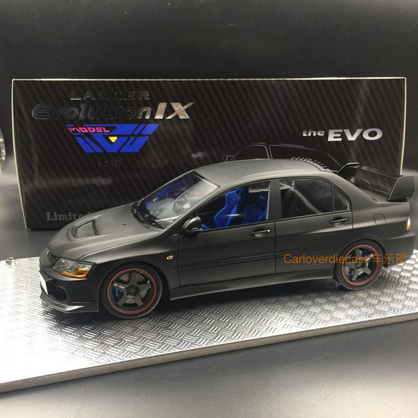 (AGUモデル)Mitsubishi Lancer EVO IXレジンスケール1:18 in(Mat Black with carbon)AGU-013CR Limited 600 pcs available