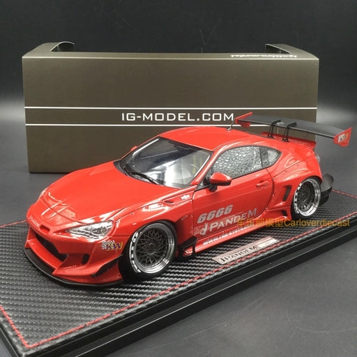 Ignition Model 1:18 Pandam Toyota 86 V3 (Red) resin model (IG1127) free display cover