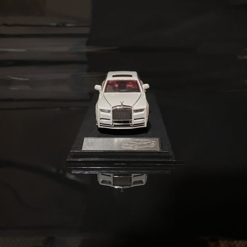SMALLCARART 1:64  RR Phantom Generation 8 Pearl White (SK164005W) Diecast Car available now