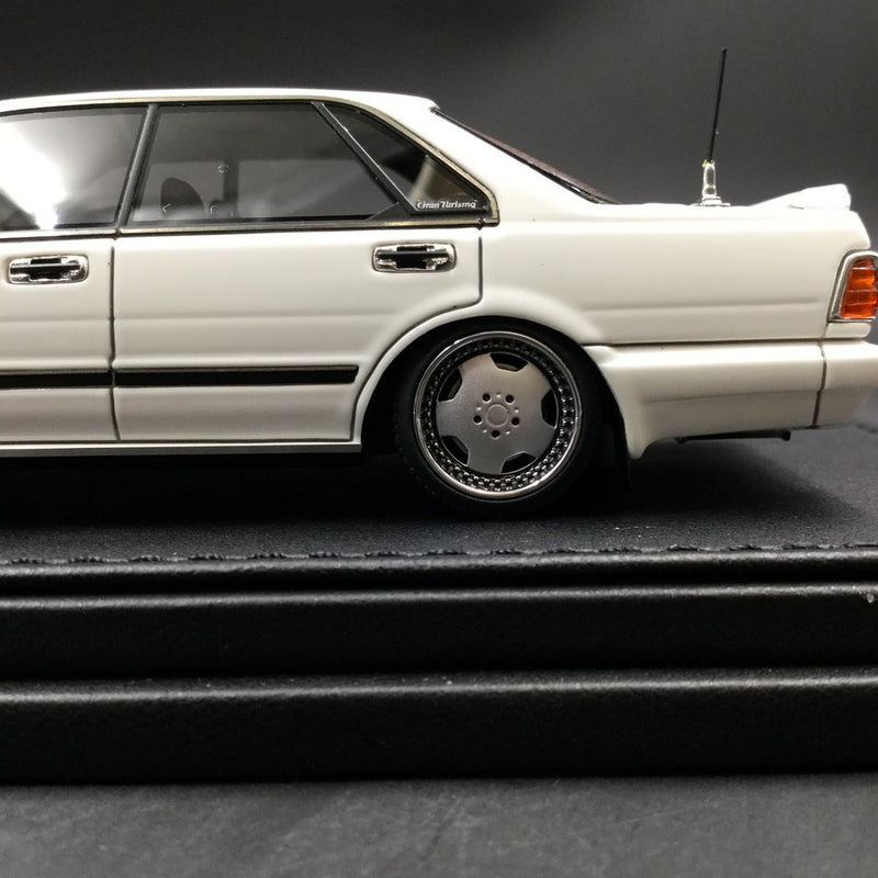 Ignition Model 1:43 Nissan Cedric (Y31) Gran Turismo SV  White ※Sauber  dish type Wheel resin Model (IG1251) available  now