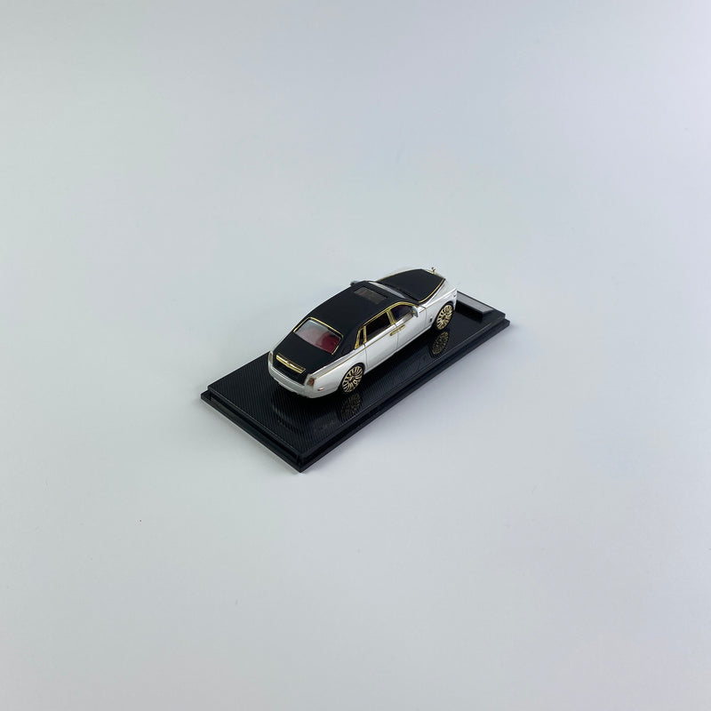 SMALLCARART 1:64  RR Phantom VIII Frosted black/Pearl White  (SK164005WB) Diecast Car available on the end of November pre-order now