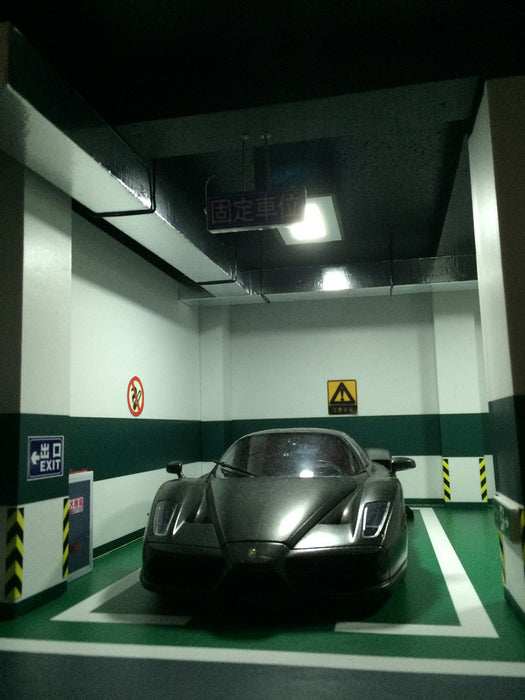 CarPark Diorama for 2 Parking Lots with LED Light (USB power) Scale 1/18 CLDC002