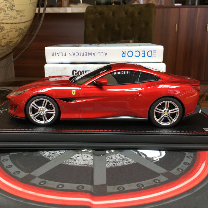 MR Collection 1:18 Ferrari Portofino resin model (Red) available now