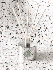 NATIVE NECTAR BOTANICALS  AMBER & LIME & SUGARED PLUM SCENTED REED DIFFUSER