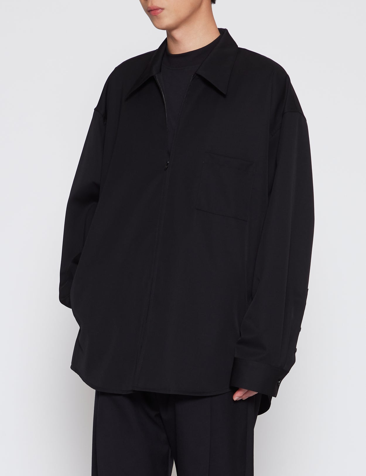 BLACK OVERSIZED ZIP SHIRT JACKET
