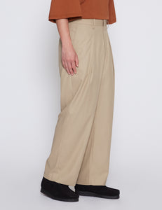 BEIGE COTTON GABARDINE 1 TUCK PANTS