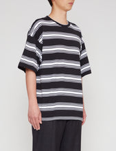 Load image into Gallery viewer, BLACK STRIPED WIDE FIT T-SHIRT