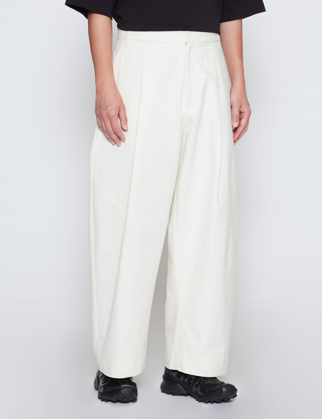 MILK SORTE VOLUME PLEAT PANTS