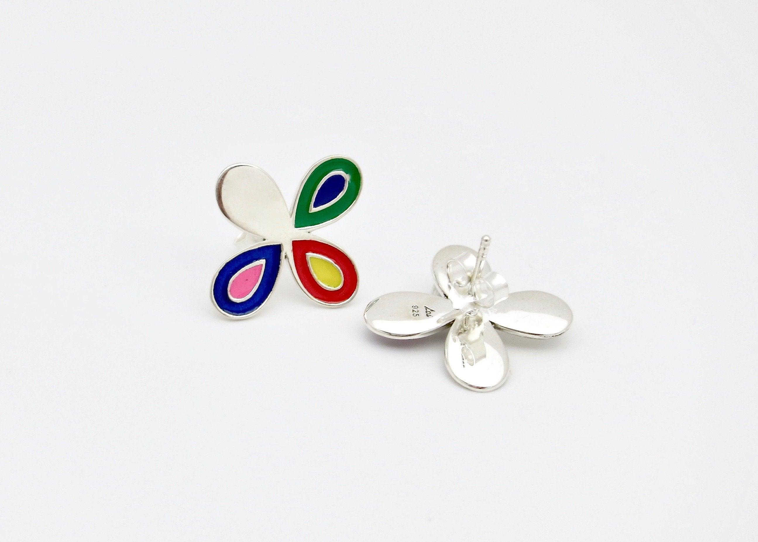 Chic, asymmetrical floral 'puspa' ear studs - Craft Stories