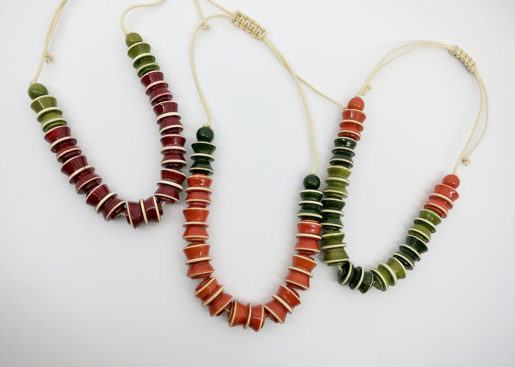 The Accordion Necklace (available in 3 different colors) - Craft Stories