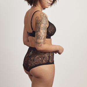 Lace high-waisted knicker by Phaein