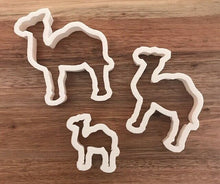 Load image into Gallery viewer, Camel Cookie Cutters set of 3
