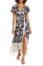 Load image into Gallery viewer, Flutter Sleeve Maxi Dress