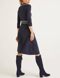 3/4 Sleeve Contrast Trim Fit and Flare Dress
