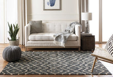 Load image into Gallery viewer, Safavieh Kilim Bohemian Charcoal & Natural Rug