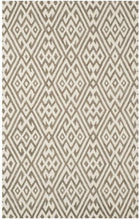 Load image into Gallery viewer, Safavieh Cambridge Farmhouse Ivory & Grey Rug