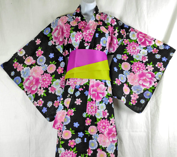 Womens Yukata. Black floral. Japanese traditional cotton kimono.