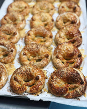 Load image into Gallery viewer, Pretzel - THURS 13th