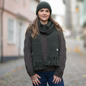 Moss Green pure wool ribbed scarf with tassels