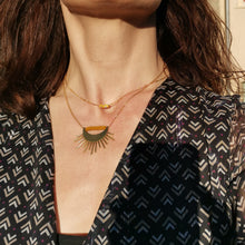 Load image into Gallery viewer, avec le collier boule moutarde