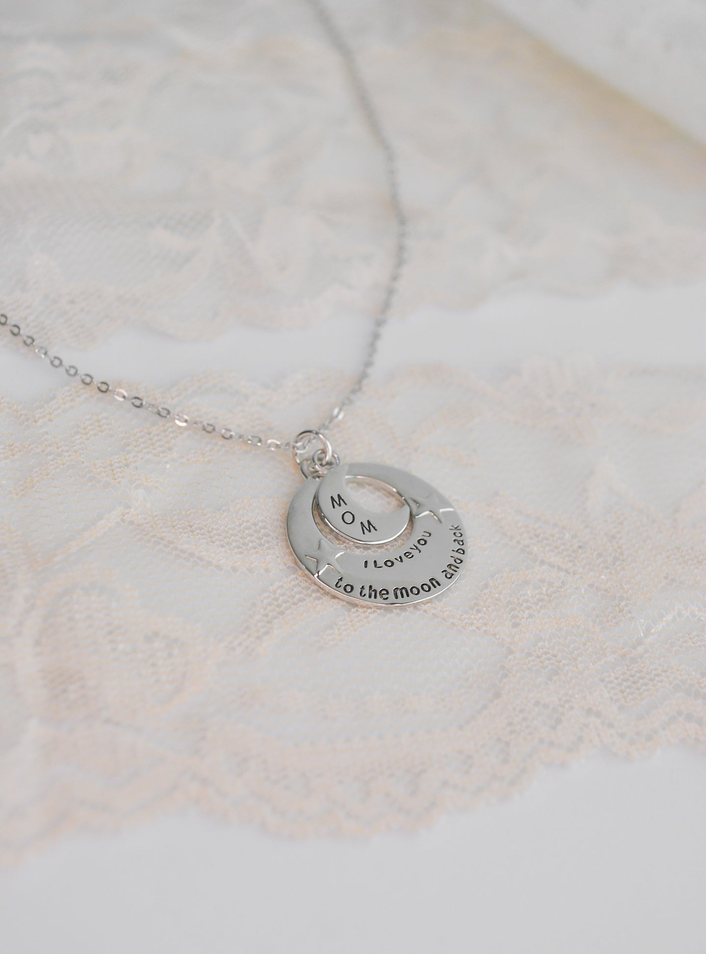 NEW. Collar Mom to the Moon de Plata