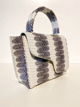 Laden Sie das Bild in den Galerie-Viewer, Montalcino, Ice White, Mini Handbag