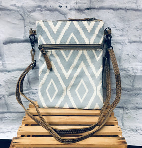 Diamond small crossbody