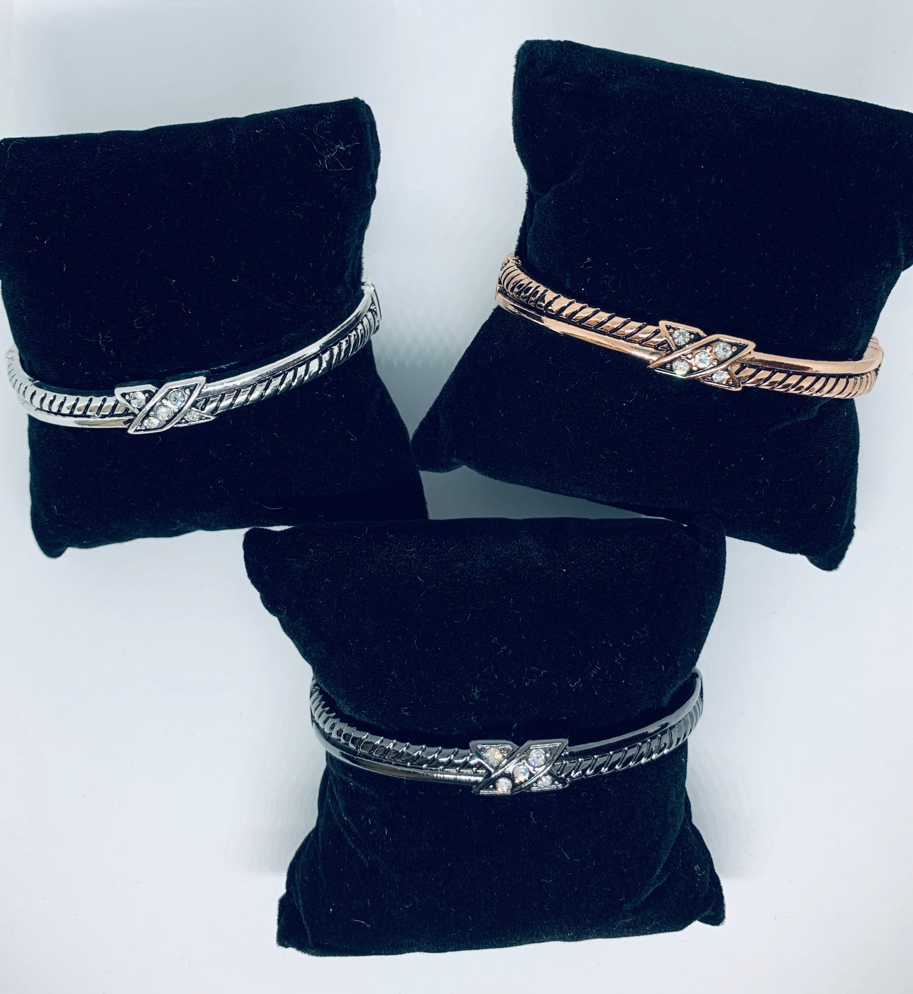 X Side Closure Bracelet