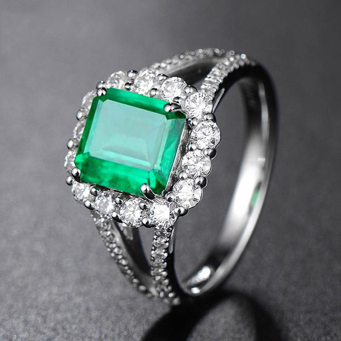 Emerald oblong women's High-end temperament birthday ring