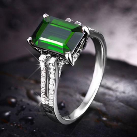 Rectangular Inlay zircon emerald women's birthday ring