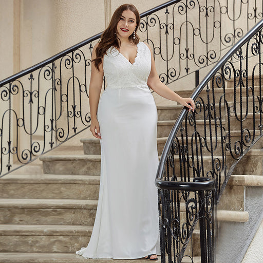 White plus size sleeveless V-neck lace dress