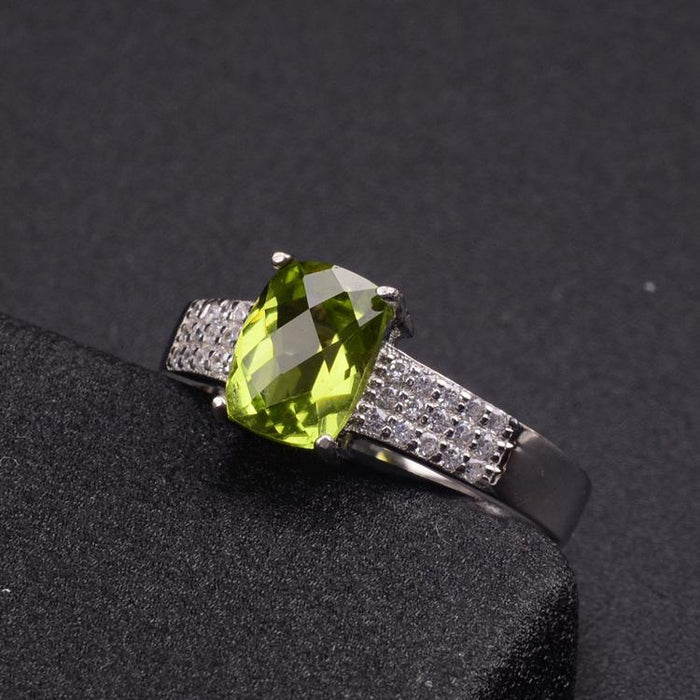 Exquisite design s925 sterling silver peridot women's birthday ring