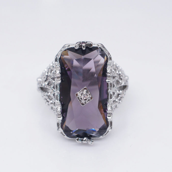 Princess amethyst rectangular ring - Hollowed-out flower girl