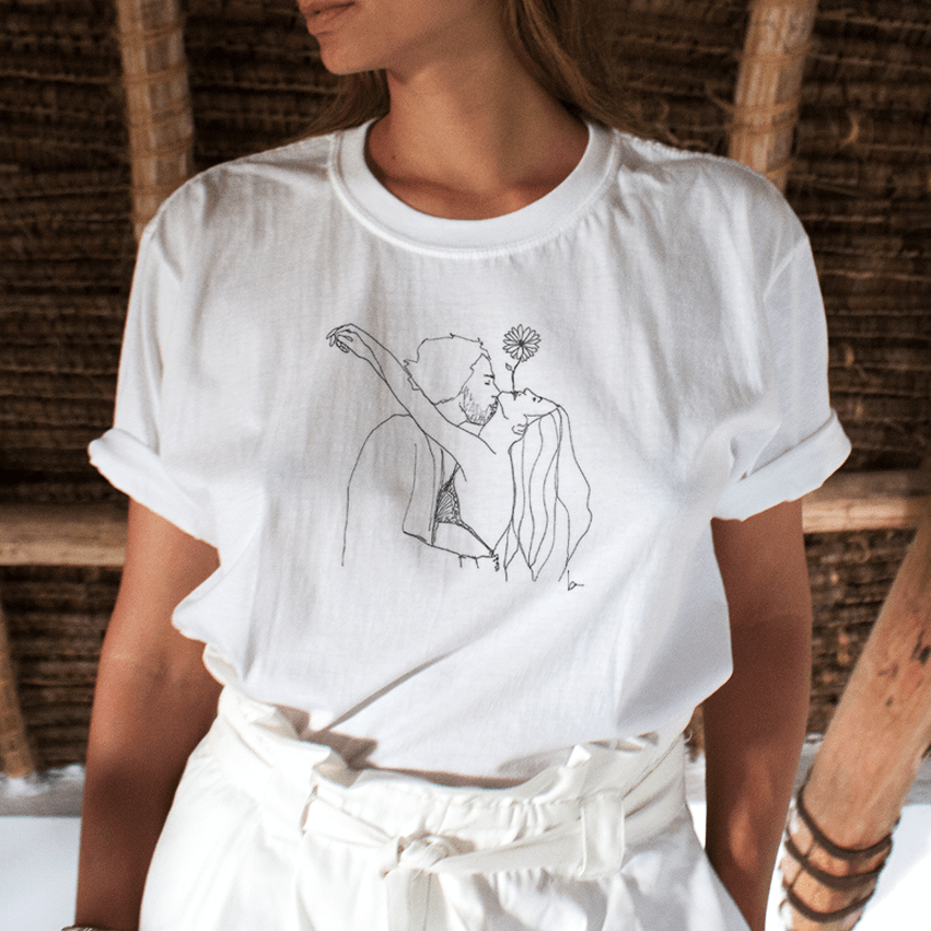 """FLOWER KISS"" DRAWING TEE"