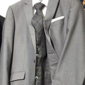 Matt O'Brien Fashions Magee Grey Suit