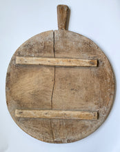 Load image into Gallery viewer, Vintage Large Round European Bread Board