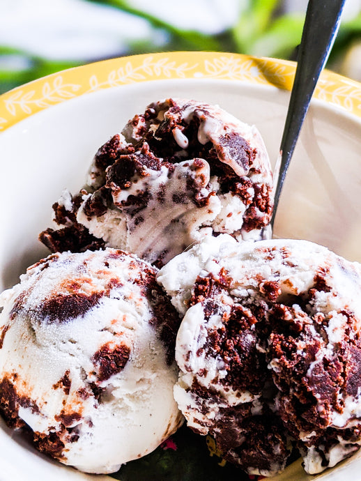 Easy Dark Chocolate Brownie Ice Cream